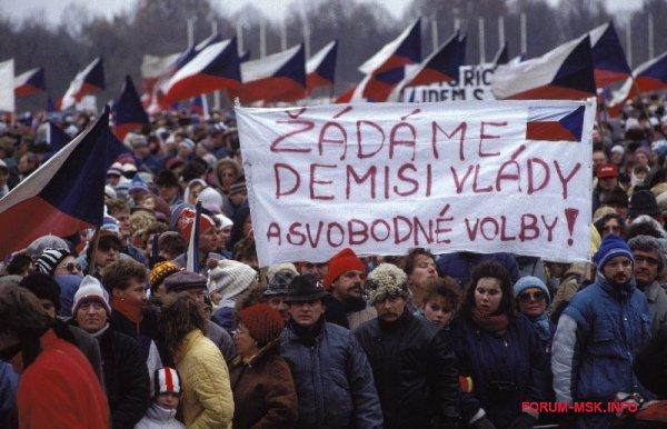 barkhatnye_revolyutsii_v_vostochnoy_evrope_1.jpg