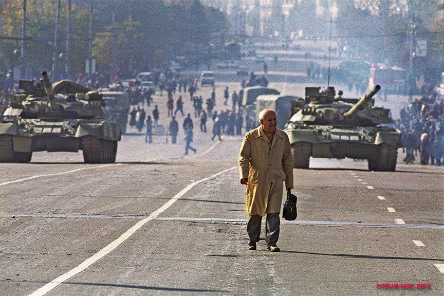 privatizatsiya_zhil'ya_90-ykh_v_rossii_1.jpg