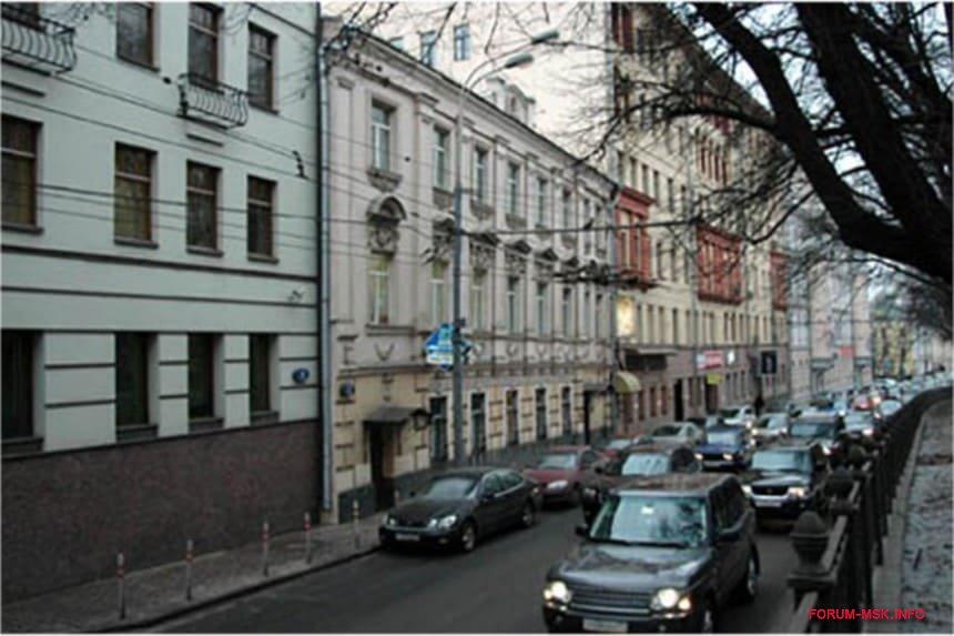 publichnyi-dom-emilii-khatunsevoi-v-moskve.jpg