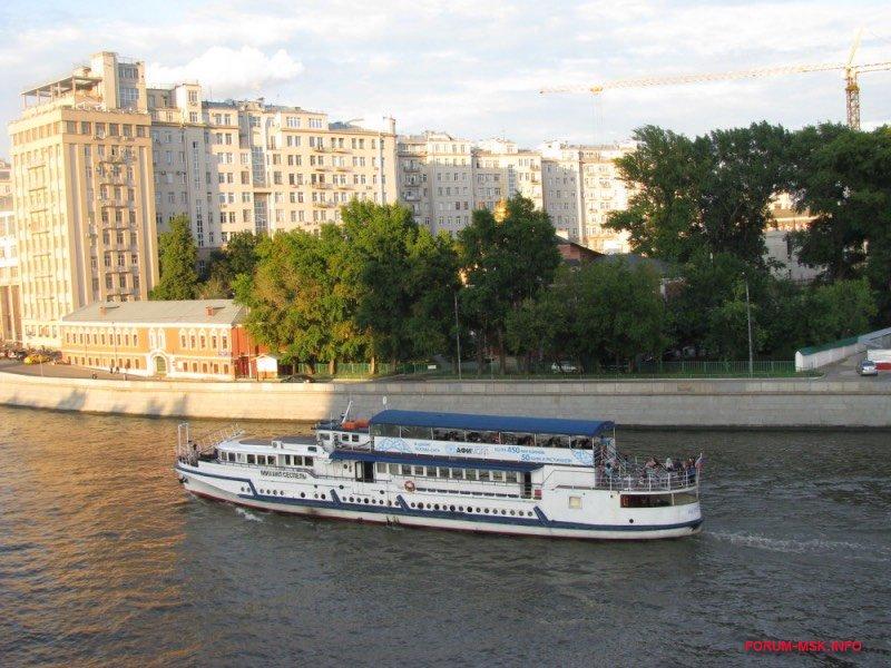 rechnye-progulki-po-moskve-reke-3.jpg