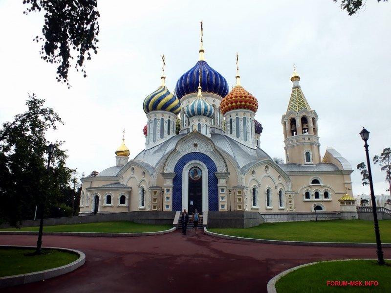 rezidentsiya-patriarkha-kirilla-v-peredelkino_1.jpg