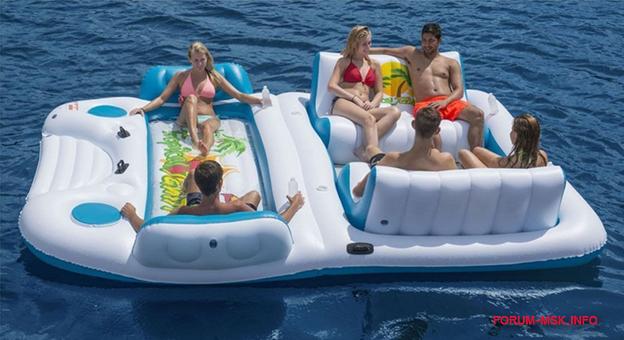 лодка для плавания в море