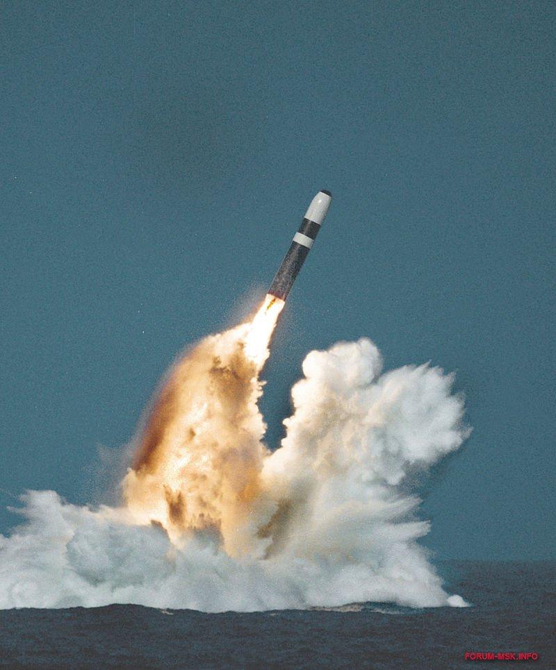 запуск ракеты Трайдент II.jpg
